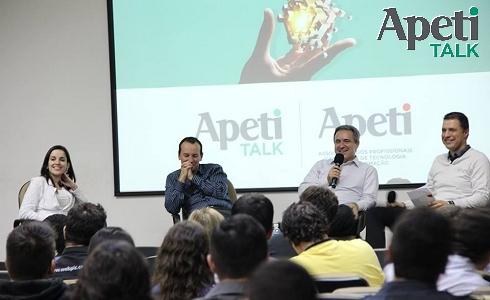 o Apeti Talk é um evento que propõe a compartilhar e disseminar o conhecimento, promovendo o debate e a troca de ideias.